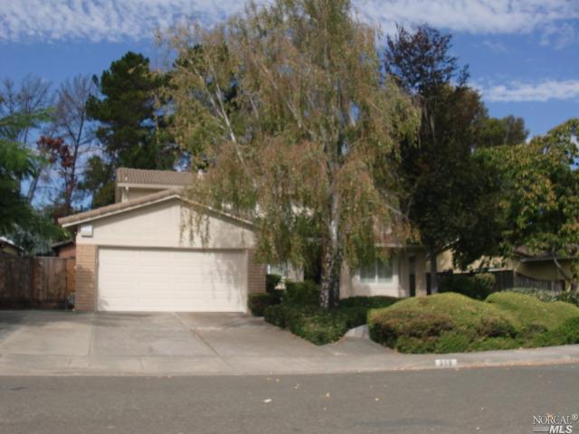 359 Regents Park Dr, Vallejo, CA 94591