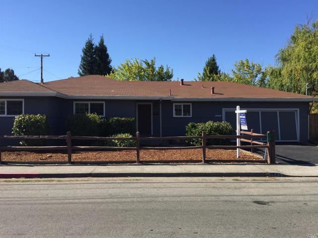 1945 Center Rd, Novato, CA 94947