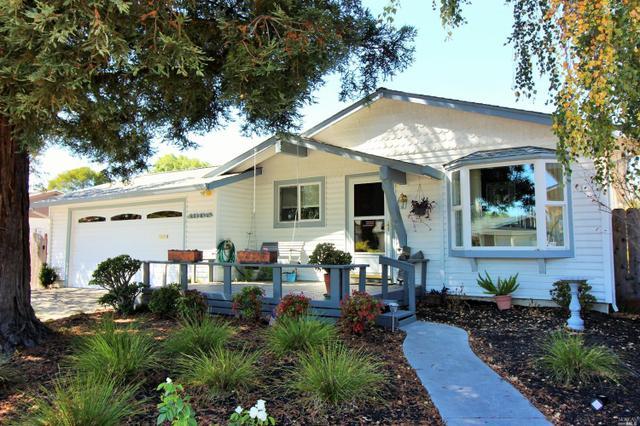 1305 Evergreen Ln, Petaluma, CA 94954