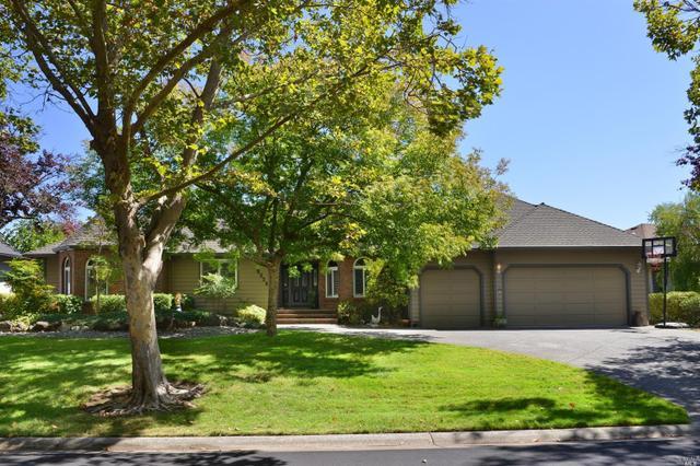 9334 Lakewood Dr, Windsor, CA 95492