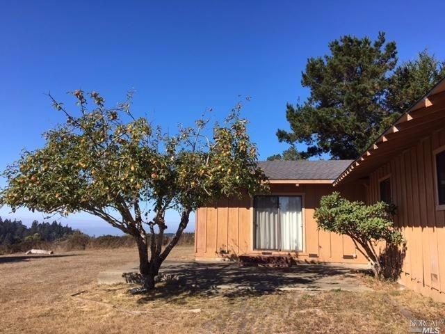 32301 Navarro Ridge Rd, Albion, CA 95410