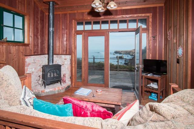 34020 Pacific Reefs Rd, Albion, CA 95410