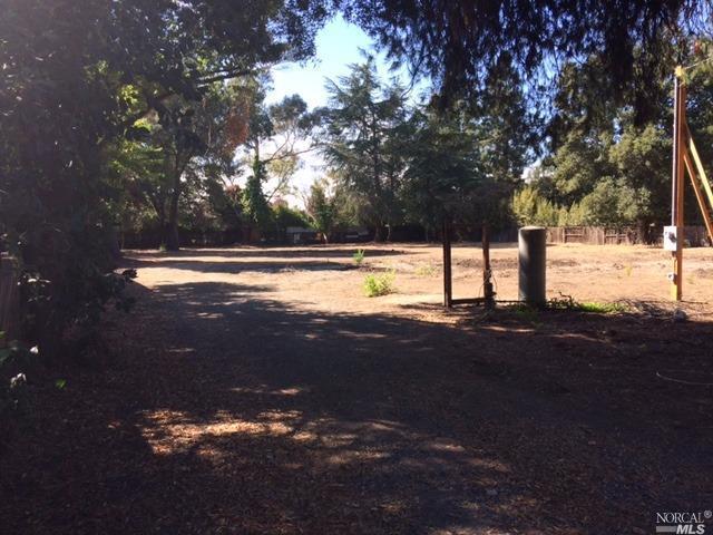 933 Oak Grove Rd, Concord, CA 94518