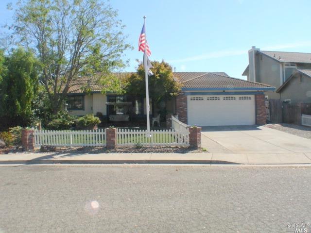 414 Pipestone Cir, Petaluma, CA 94954