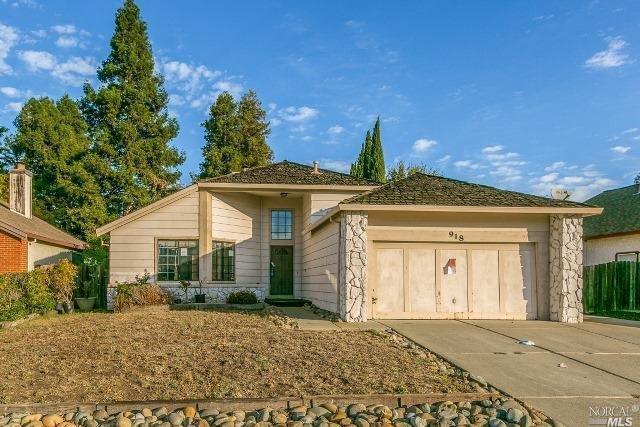 918 Hickory Ct, Fairfield, CA 94533