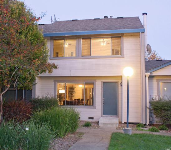 317 Wall Pl, Santa Rosa, CA 95401