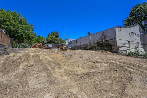 6524 Front St, Forestville, CA 95436
