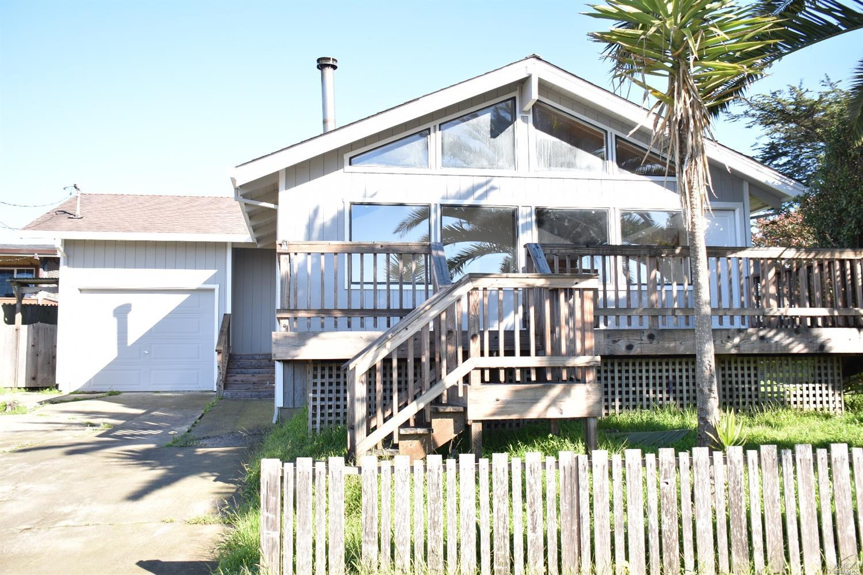 1210 Windy Ln, Bodega Bay, CA 94923