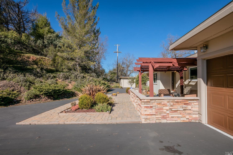 312 Crestview Drive, Ukiah, CA 95482