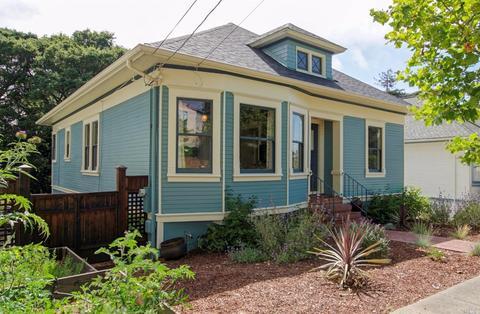 516 Walnut St, Petaluma, CA 94952