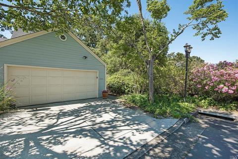 5082 Firestone Ct, Santa Rosa, CA 95409