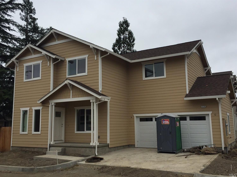 2378 W Steele Ln, Santa Rosa, CA 95403