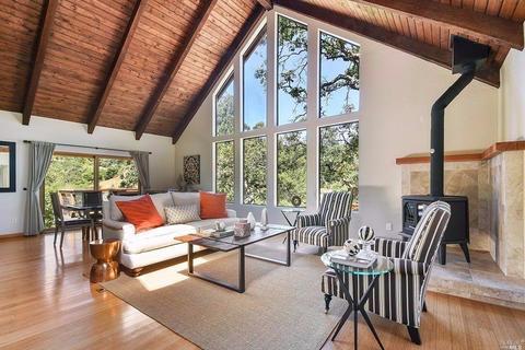 4752 Hidden Oaks Rd, Santa Rosa, CA 95404