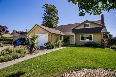 163 Court Way, Vacaville, CA 95688