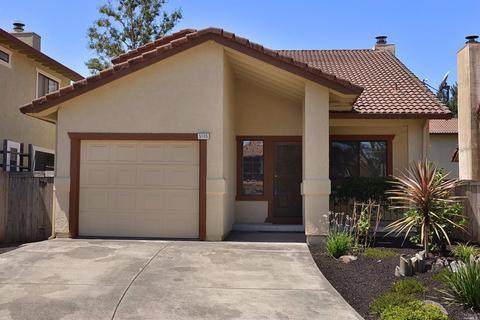 5105 Hacienda Ct, Rohnert Park, CA 94928