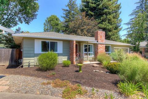 11 Pin Oak Pl, Santa Rosa, CA 95409