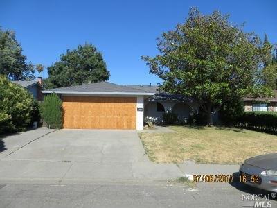 2736 Geranium Ct, Fairfield, CA 94533