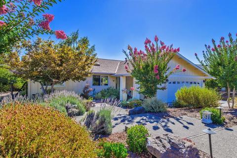 464 Oak Brook Ct, Santa Rosa, CA 95409