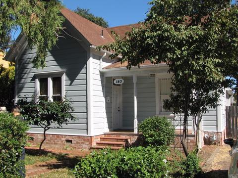 140 Clara Ave, Ukiah, CA 95482