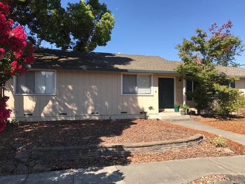 1067 Shady Oak Pl, Santa Rosa, CA 95404