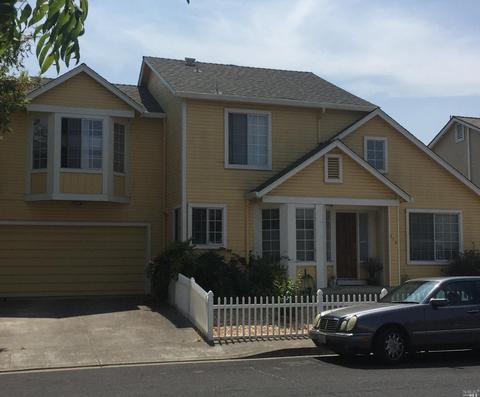 215 Ashwood Dr, Suisun City, CA 94585