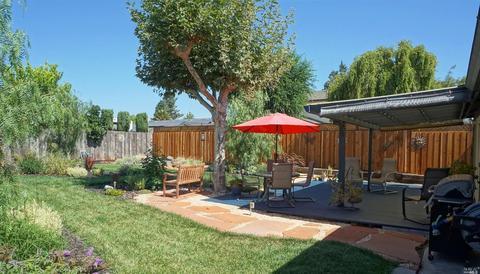 1533 Colwood Dr, Petaluma, CA 94954