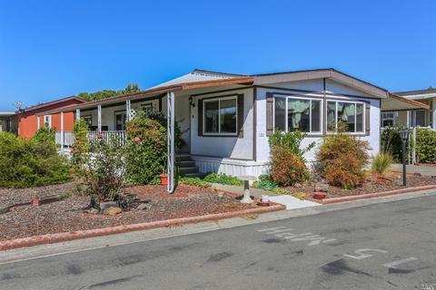 122 Estrella Dr, Santa Rosa, CA 95403