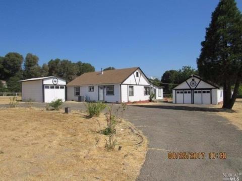 7387 Uva Dr, Redwood Valley, CA 95470