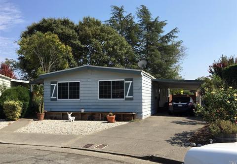 2 Charro Ct, Santa Rosa, CA 95401
