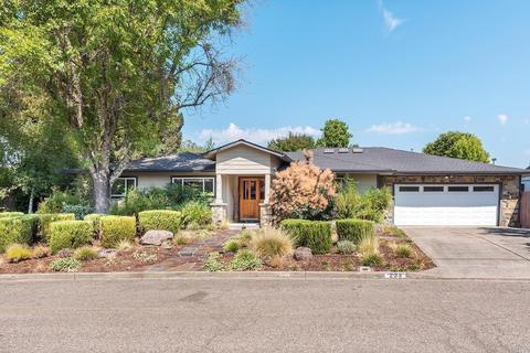 233 N Dover Ct, Santa Rosa, CA 95403