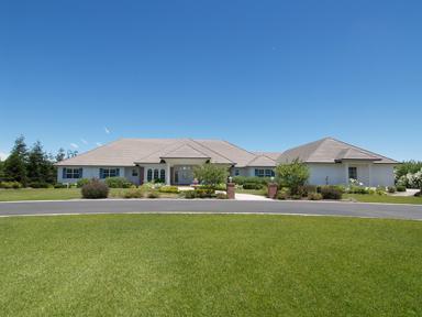 1194 Parks Rd, Hughson, CA 95326