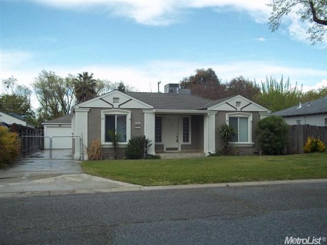 135 Rosina Ave, Modesto, CA 95354