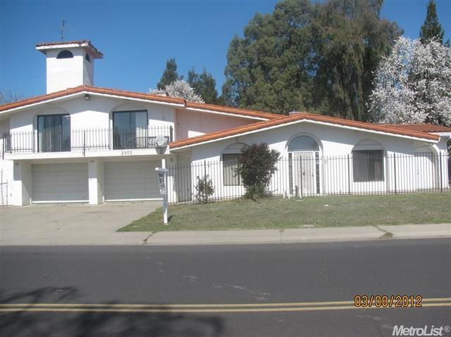 2955 Del Rio Dr, Lodi, CA 95240