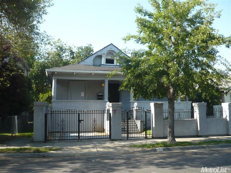 527 W Oak St, Stockton, CA