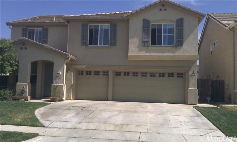 1413 Angus St, Patterson, CA