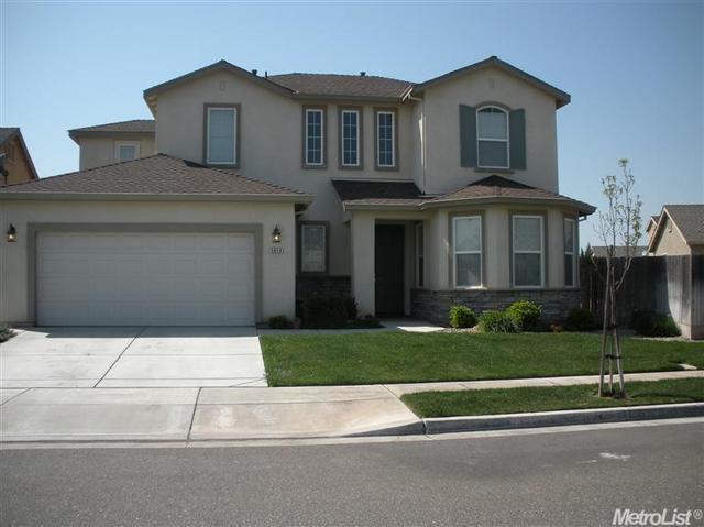 5819 Eisenhower Dr, Riverbank, CA 95367
