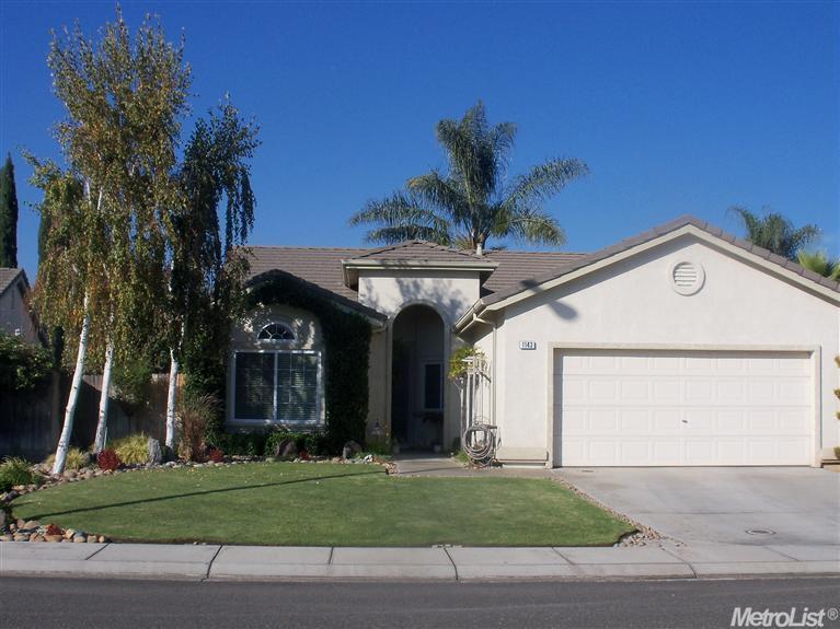1143 Meadowbrook Ct, Manteca, CA