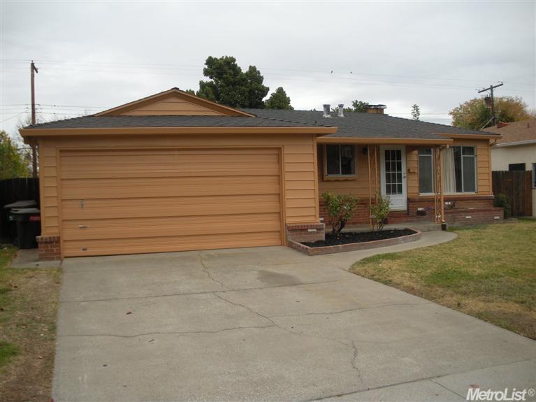 6313 Laurine Way, Sacramento CA 95824