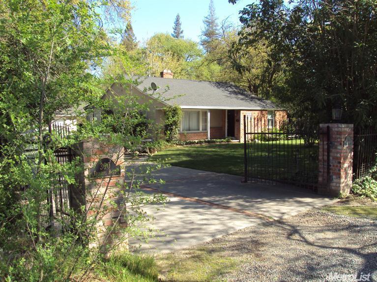 300 Fairgate Road, Sacramento, CA 95825