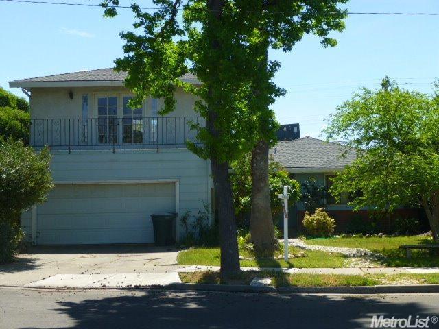 474 Iroquois St, Merced, CA 95340
