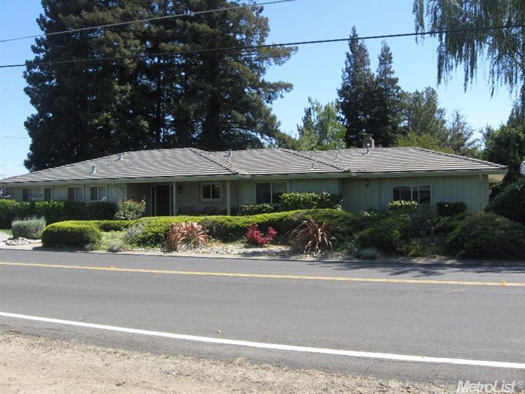 1670 E Woodbridge Rd, Woodbridge, CA