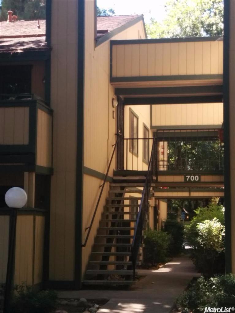 700 Del Verde Cir #APT 2, Sacramento, CA