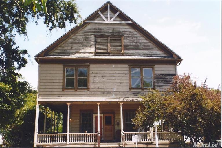 9621 Walnut Ave, Elk Grove, CA