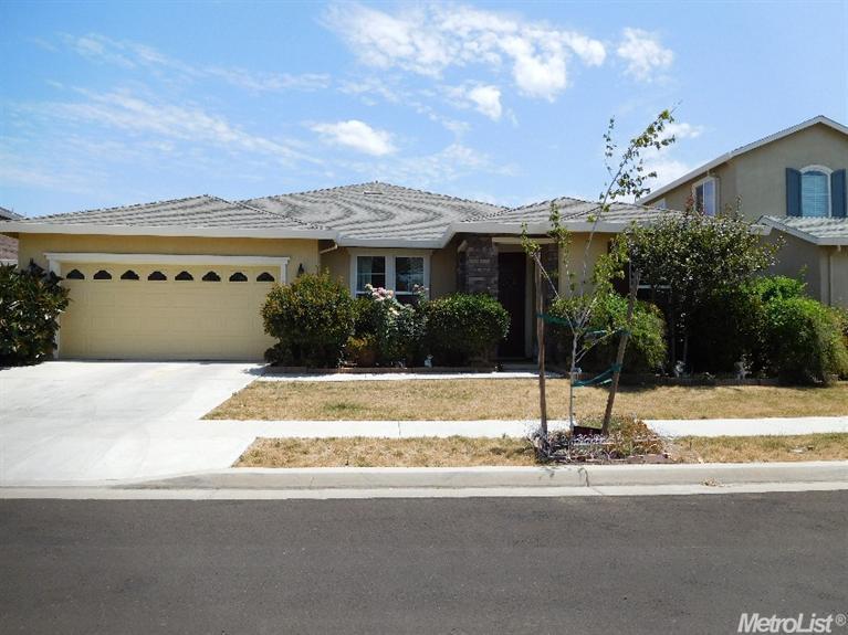 302 Cherry Blossom Ln, Patterson, CA