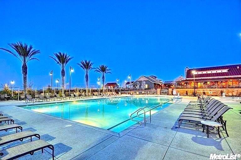 806 Morning Dove Ln, Rocklin, CA
