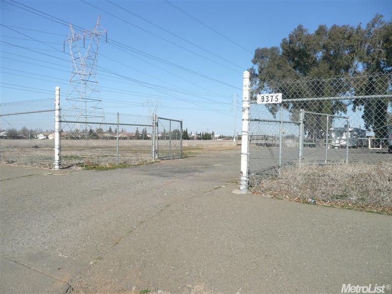 9375 Calvine Road, Sacramento, CA 95829