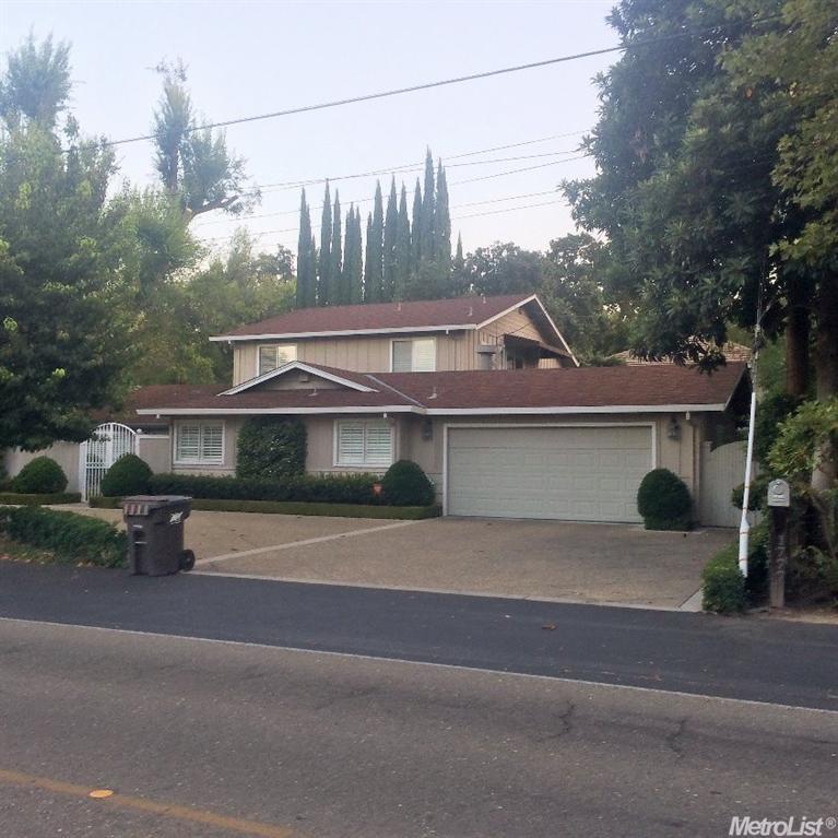 1777 W Lincoln Rd, Stockton, CA