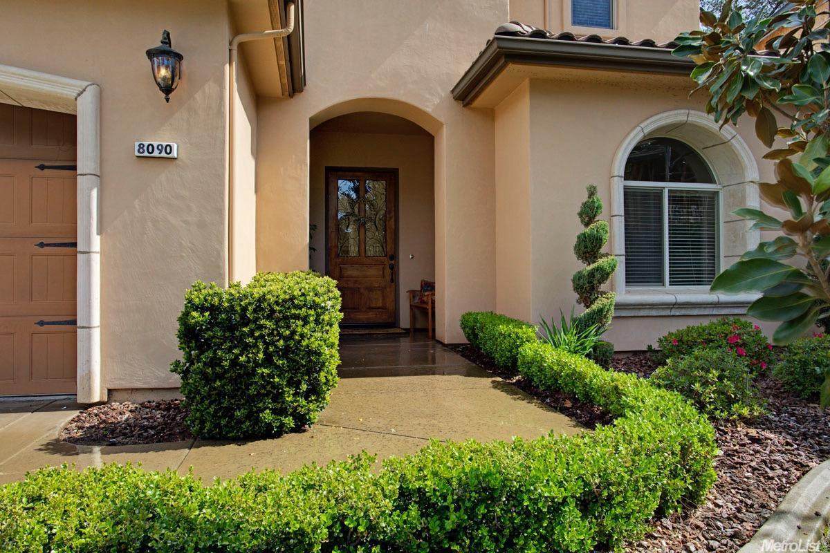 8090 Village Estates Ln, Fair Oaks, CA