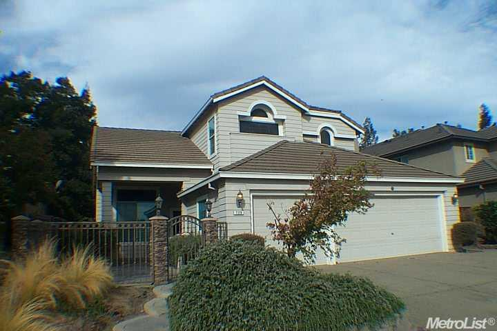 729 Evergreen Dr, Lodi, CA