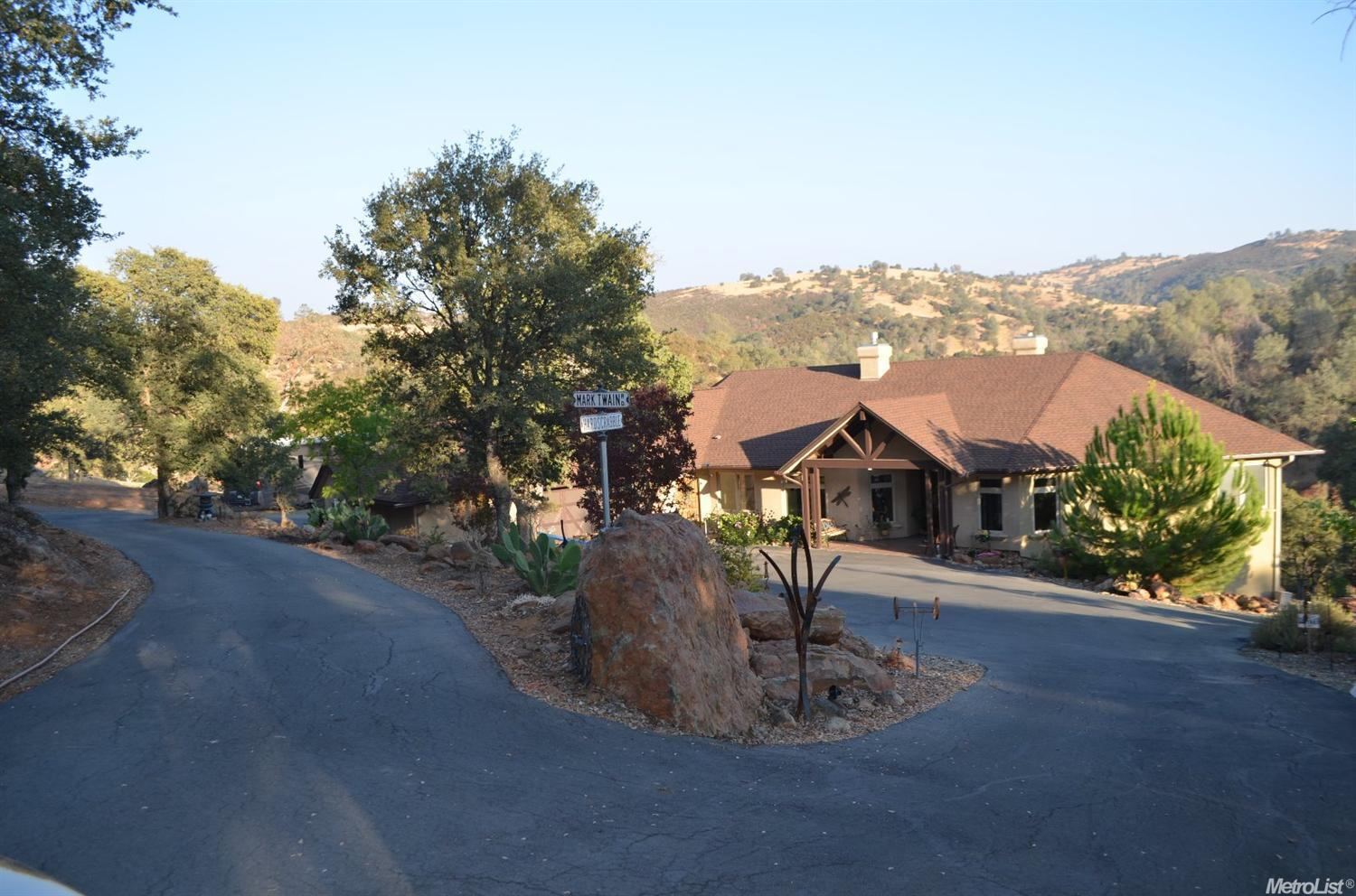 6855 Cane Ln, Valley Springs, CA